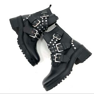 Zara Low Heeled Leather Ankle Boots With Buckles